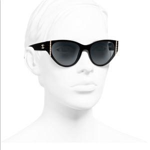 CHANEL Cat Eye Sunglasses Black